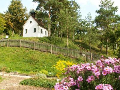 Lourdeskapelle am Kräuterlehrgarten Elbersroth