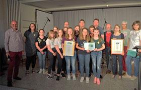 """Herrieden bleibt Fairtrade Stadt und beglückwünscht die Realschule zum Titel """"Fairtrade School"""""""